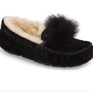 UGG Dakota Pom Pom Moccasins / Slippers